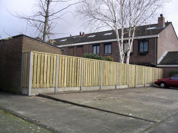 Wandplanken Van Beton : Afgewerkte projecten van betonnen en houten schuttingen oerlemans